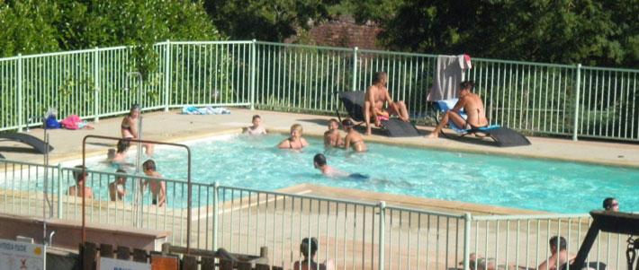 Camping pech ibert camping dans le lot midi pyr n es for Camping figeac avec piscine